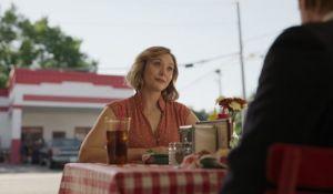 'Love & Death' - Елизабет Олсън е Кенди Монтгомъри в новия криминален сериал на HBO. picture