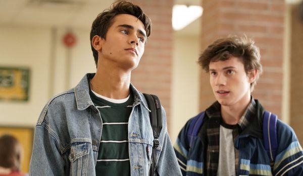 """Сериалът по филма """"С обич, Саймън"""" се премества в Hulu под ново име, дата на премиера снимка"""