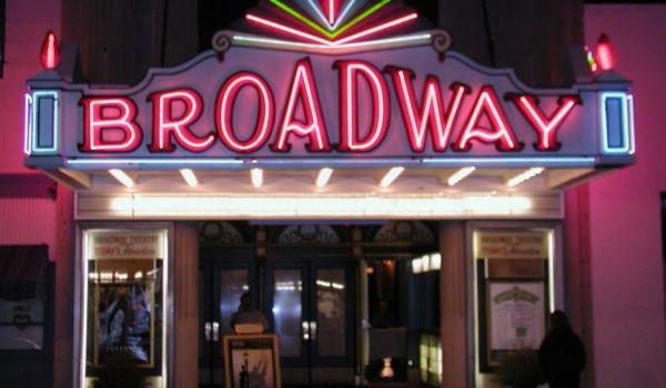 "Бродуей достигна 36 млн. приходи, ""Mel Brooks"" напълни залите, а ""To Kill A Mockingbird"" поставя рекорди снимка"