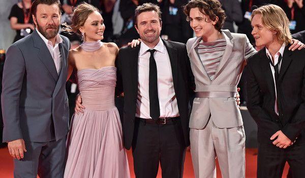 """Тимъти Шаламе и Джоел Едгертън за грубите мерки предприети за филма """"The King"""" снимка"""